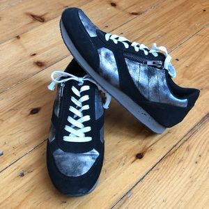 Womens silver and black zipper sneakers size 8.5